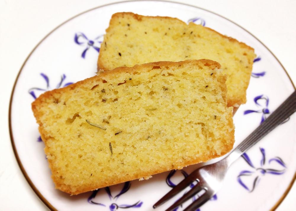 【レシピ】ミックスハーブのカトルカール(パウンドケーキ)